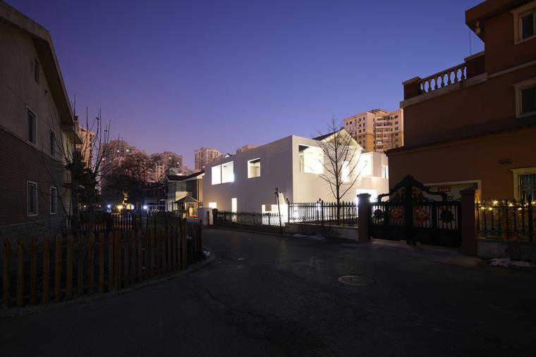 沈阳河畔花园的商业建筑-11