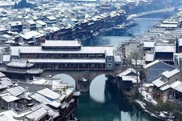 当最美的古镇下了雪,简直惊艳了整个冬天_17