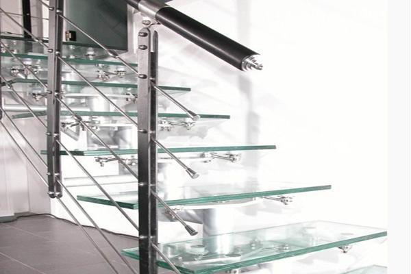 不锈钢扁钢立柱的安装操作要领