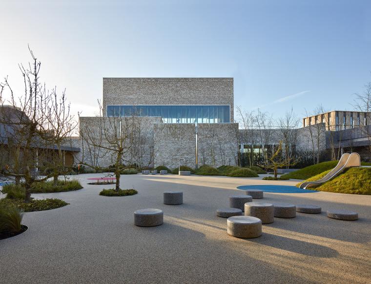 英国剑桥大学社区中心与托儿所 外部实景图