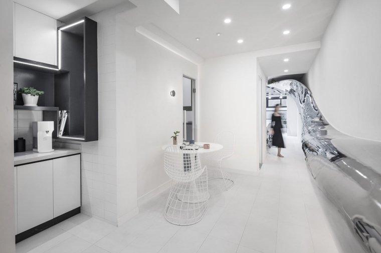 上海90年代狭长住宅改造工作室