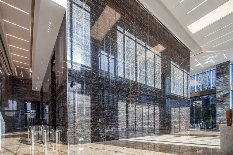 国际金融商务的皇庭大厦-11