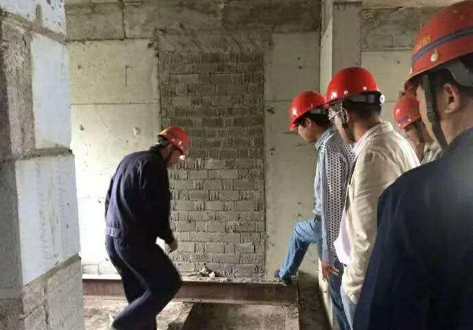 建筑结构现场检测时砌体强度是怎样测定的?
