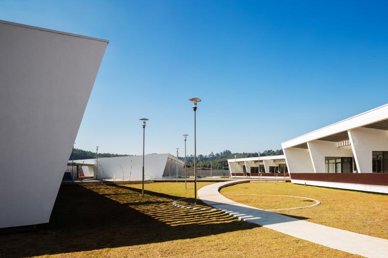 巴西St.Nicholas学校改造