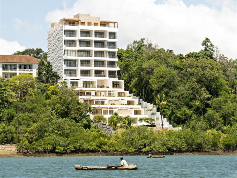肯尼亚面向大海的公寓楼