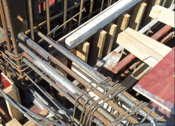 剪力墙中型钢与钢筋连接板现场焊接工法