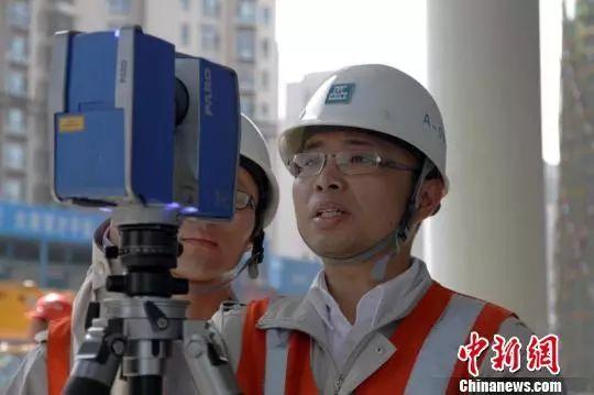 """天津滨海新区摩天大楼 在建金融中心完美""""加冕"""""""