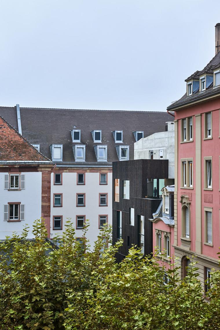 法国斯特拉斯堡办公室与住宅建筑-9