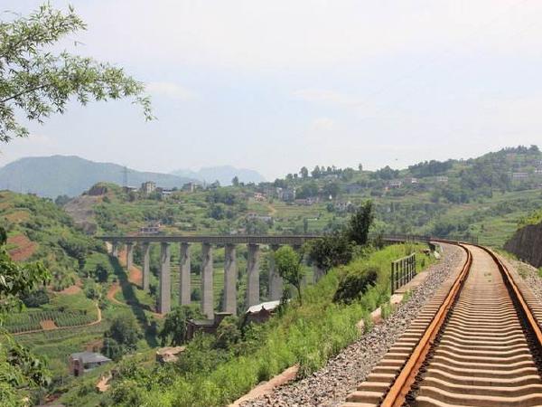 [重庆]铁路增建第二线工程站前4标段工程技术标(330页)