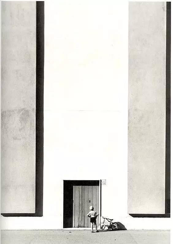 人与建筑,一首无言的诗。_10