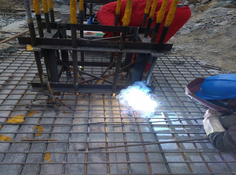 提高预埋锚栓的定位精度