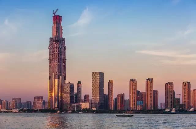 636米,耗资300亿!武汉绿地中心成为中国第一高楼