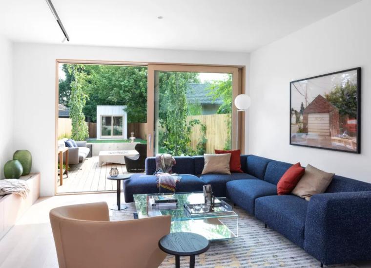 狭窄的一字户型,简约风打造温馨舒适的家!