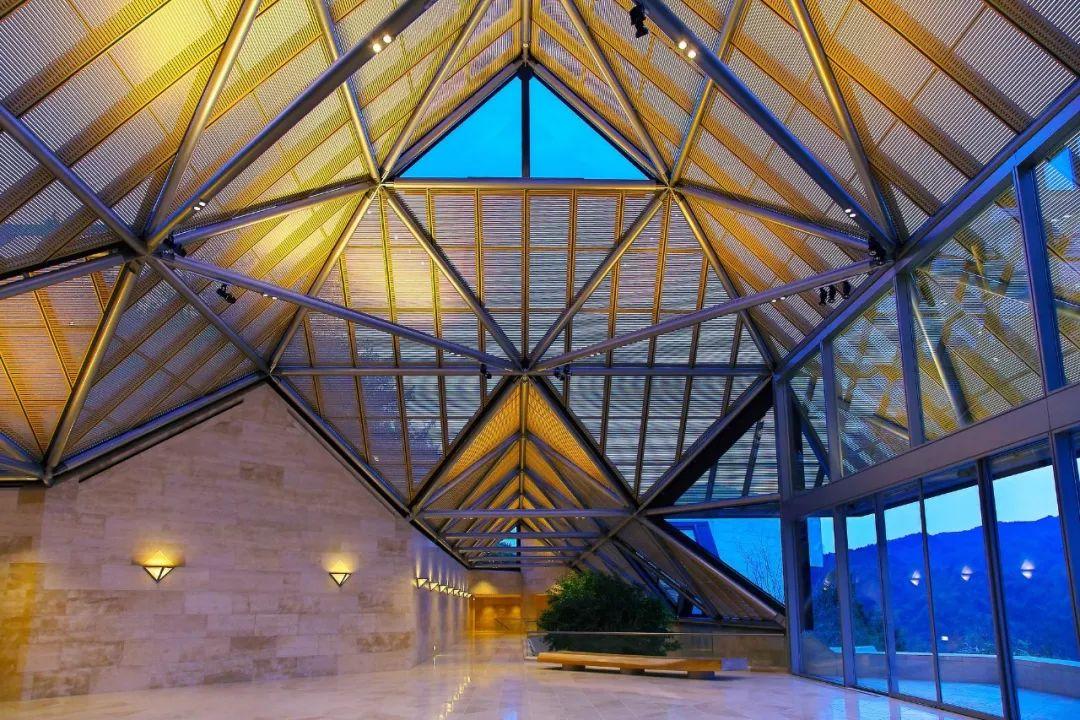 致敬贝聿铭:世界上最会用「三角形」的建筑大师_67