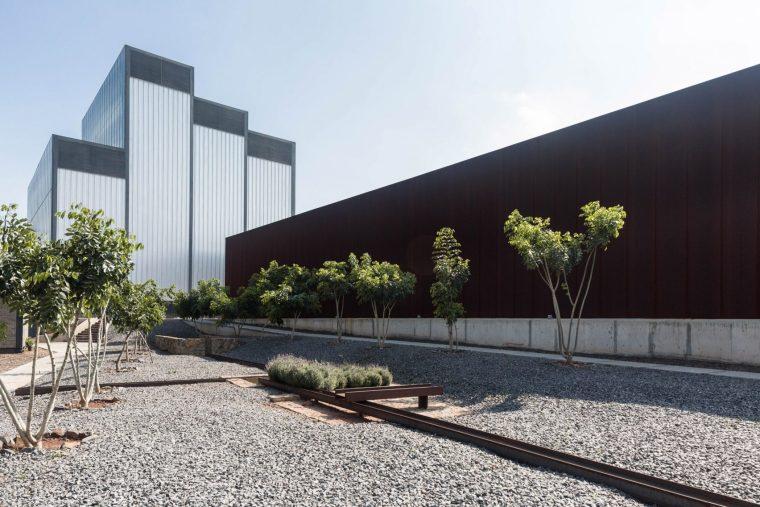 工厂内静谧的一个纪念馆