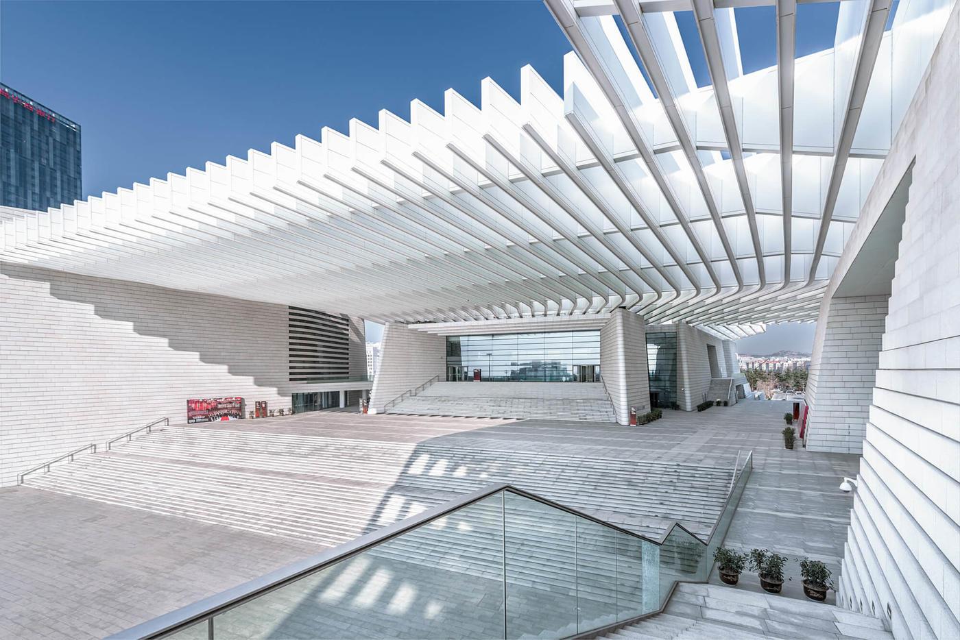 不回避阳光的建筑:青岛大剧院-建筑方案-筑龙建筑设计图片