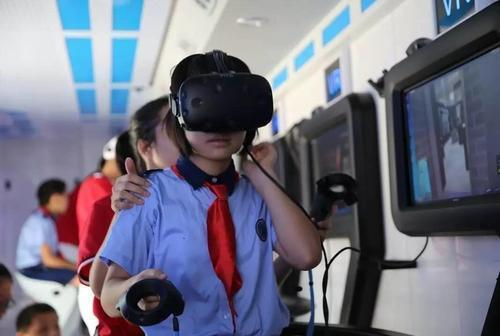 vr安全教育体验软件资料下载-VR消防演练——新型火灾演练急救系统减少人员伤亡