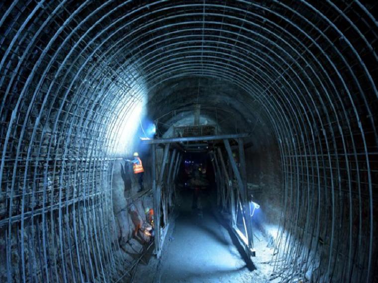 高速公路隧道二次衬砌开工报告