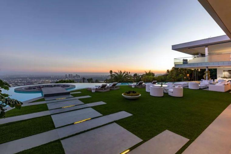 3.98亿的超级山顶豪宅,无比奢侈的观景台_12