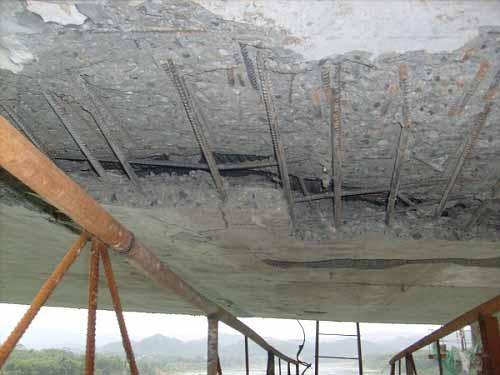 挂篮、钢便桥专项方案审查技术要点(PPT,65页)-底板崩裂脱空