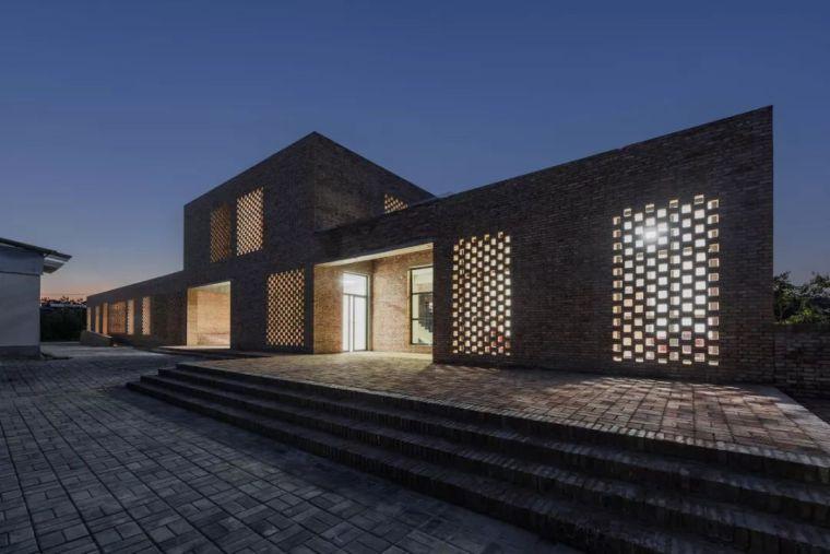 伫立于乡村土地,质朴而温暖:三河村村民活动中心——垣建