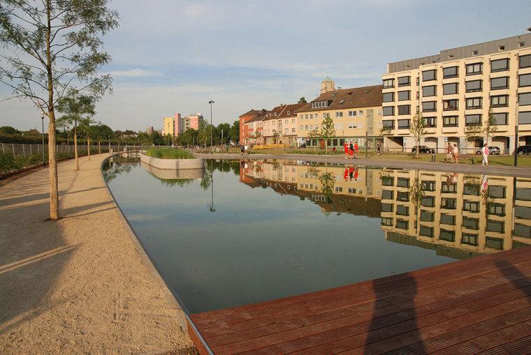 德国埃森大学公园景观设计_12