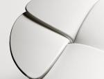 这把椅子真棒丨路易威登花瓣座凳在米兰设计周华美绽放