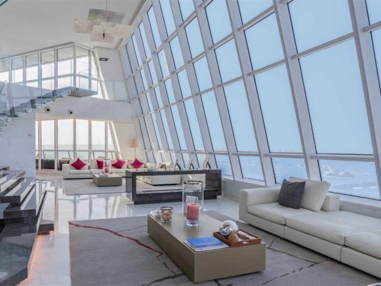 迪拜3500m²顶层复式公寓