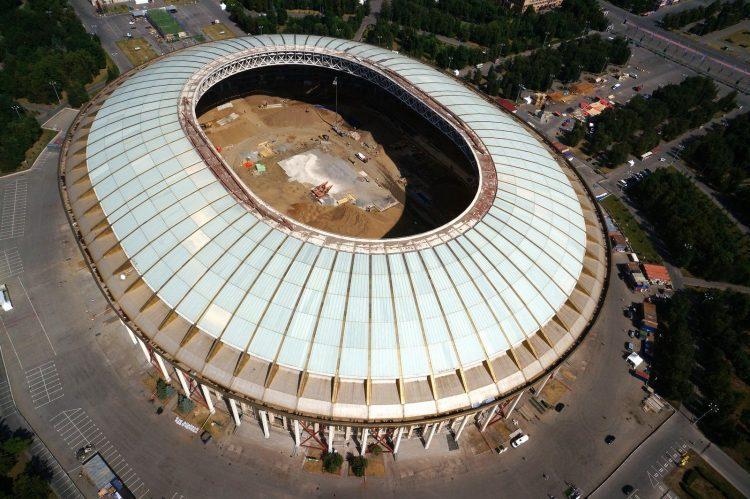 外国8种把综合性体育场改建为专业足球场的方式