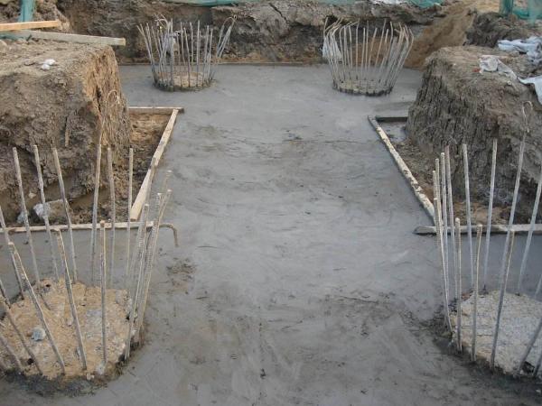 公路改建工程桥梁系梁和墩柱施工技术方案