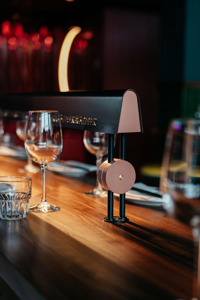 加拿大MissWong中餐厅-007-miss-wong-restaurant-by-menard-dworkind-architecture-design