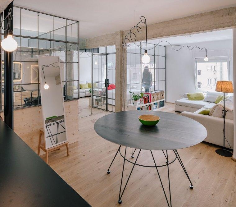 马德里:镜面,玻璃,重塑小空间的光彩_3
