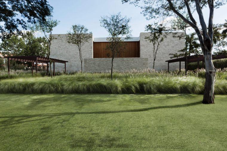 villa度假别墅资料下载-巴西Jardim GM度假别墅花园