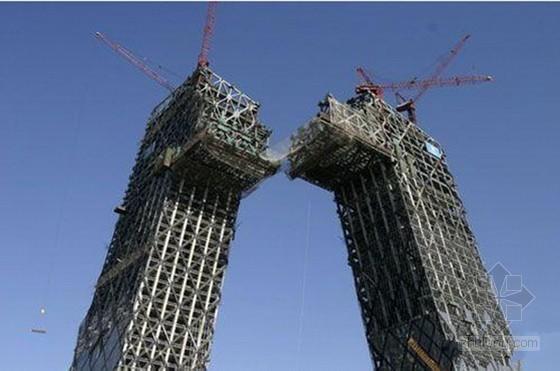[QC成果]开展技术创新实现高悬空大跨度钢结构准确就位