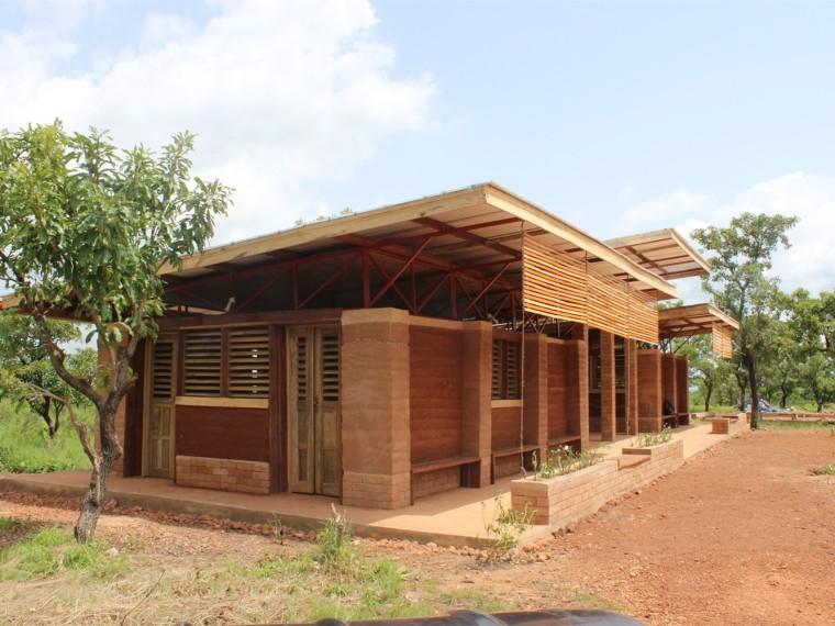 加纳夯土食堂