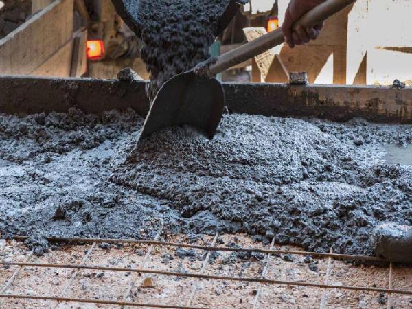 """""""水泥瘦身""""——现代混凝土质量问题症结"""