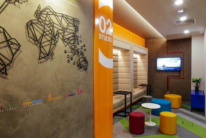 INTERISLAND现代风格办公室室内实景图