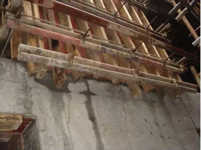 柱、墙模板这么施工,哪还有验收通不过的!_22