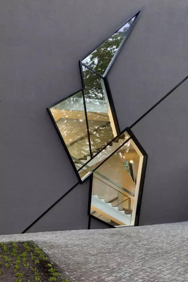 斜线切割的FelixNussbaum博物馆_6