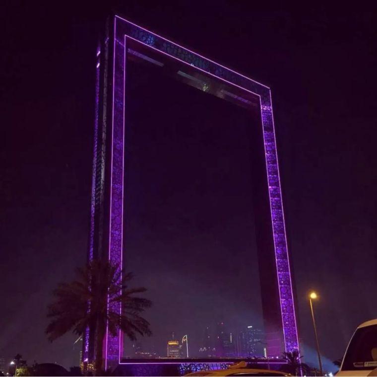 2018年迪拜用3个亿造了个冲破天际的相框_9