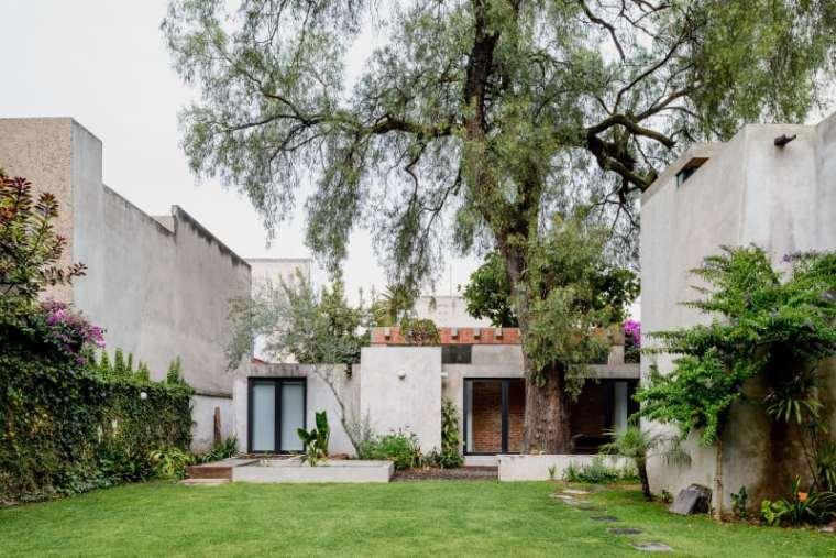 墨西哥科约阿坎区住宅改造
