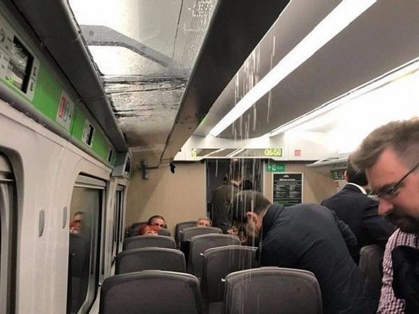 日本高铁为英国打造高速列车首秀闹笑话:车厢内漏水