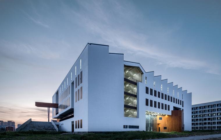 安徽大学艺术与传媒学院美术楼-1