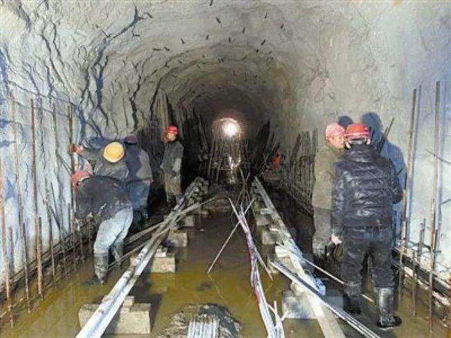 隧道工程施工的难点技术对策_1