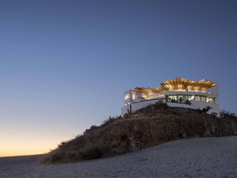 墨西哥俯瞰海景的阶梯住宅