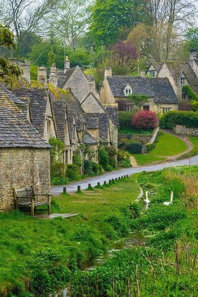 世界上最美的7个鲜花小镇子,这辈子一定要去一次!_25