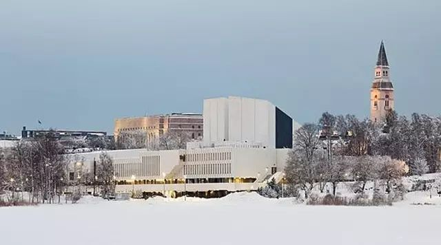他是现代建筑的奠基人之一,创立的品牌敢自称北欧设计的同义词