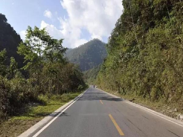 浅析二级公路沥青路面破坏的原因及结构设计