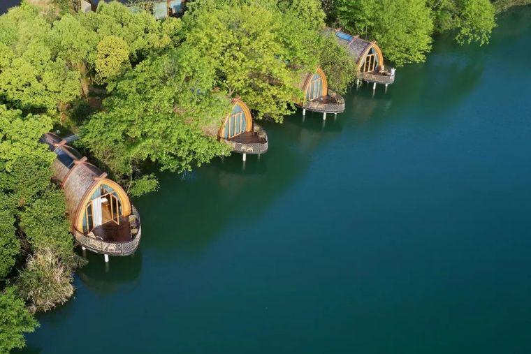 富春江畔的船屋,美
