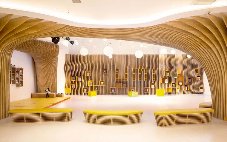 """石家庄""""U米 ● play""""儿童教育戏剧艺术中心 / 非静止建筑设计"""